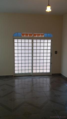 Casa em Cravinhos - Casa com Piscina e 03 dormitórios no Centro de Cravinhos - Foto 2