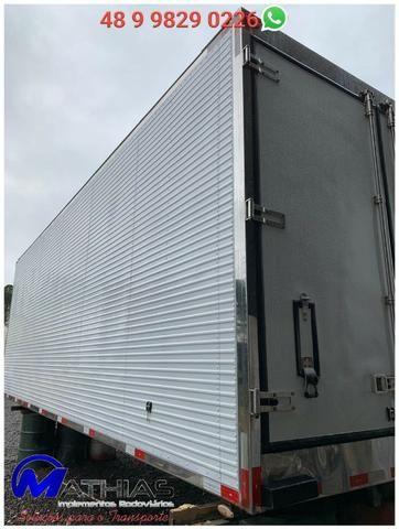 Carroceria furgão frigorífico caminhão truck Mathias Implementos - Foto 2
