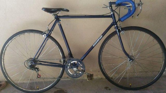Bicicleta Caloi 10 - Aro 27 montada recentemente, pintura nova - Foto 5