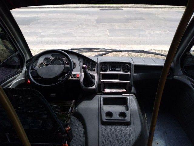 Micro ônibus volare v8 on com ar condicionado  - Foto 6