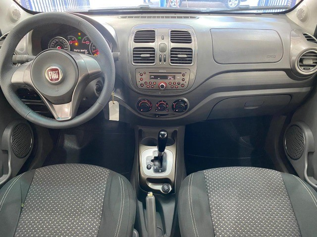 Fiat Grand Siena Essence 1.6, carro bem novo 2013 - Foto 8