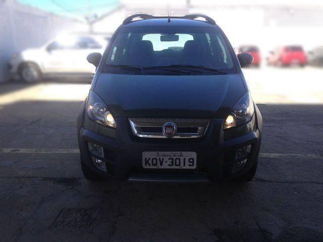 Fiat idea adventure 1 8 16v e torq 2015 carros centro for Fiat idea adventure 1 8