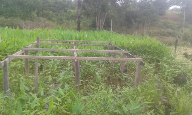 Vendo terreno medindo 10m por 25m