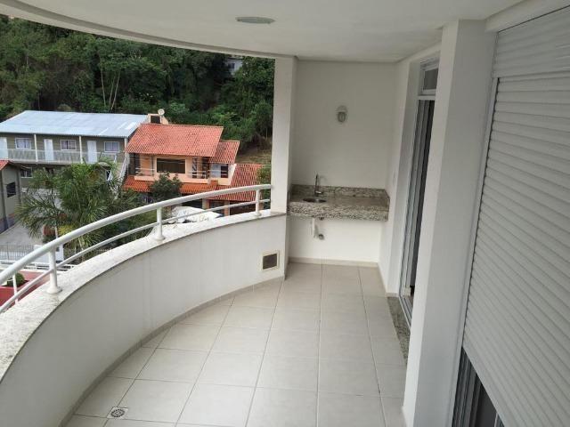 Apartamento de 02 dormitorios, com ampla sacada -Saco Grande - Foto 9