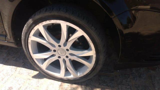 Aro 17, 5 furos, pneus radial seminovos 205/40 - Foto 3