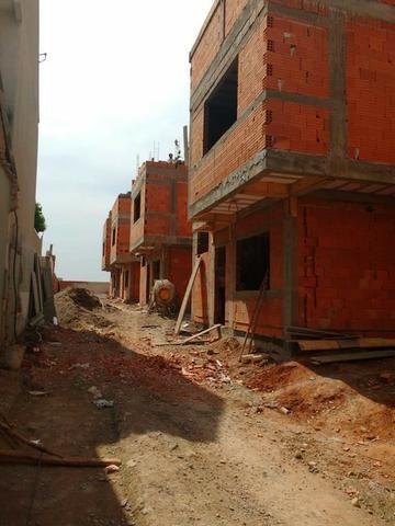 F-SO0446 Sobrado com 3 dormitórios à venda, 131 m² por R$ 690.000 - Uberaba
