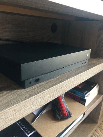 Xbox One X 1tb - Foto 2