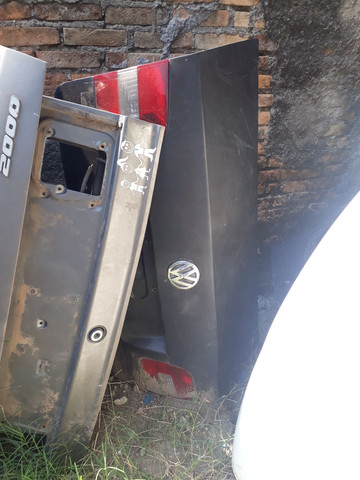Tampa porta malas Polo sedan - Foto 2