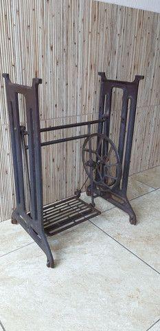 Pe de ferro máquina de costura  - Foto 2