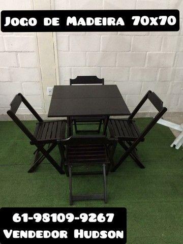 Jogo de Mesa com Cadeiras de Madeira Original