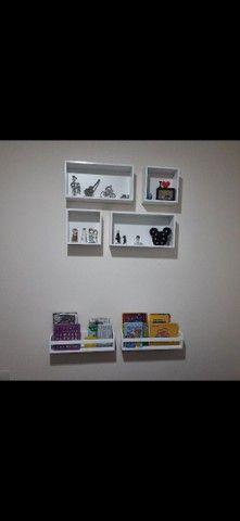 Kit nichos + prateleiras para livros + brinde