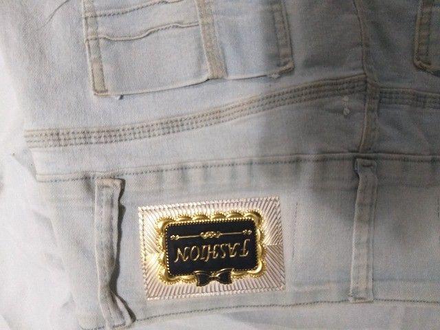 saia de jeans claro  marca 23º - Foto 3