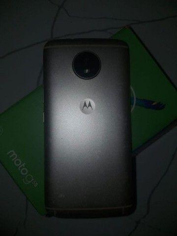 Vendo Moto G5s 32 GB semi novo, ENTREGO - Foto 2