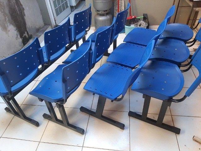 Longarina Plástica 03 Lugares - Cor Azul - Foto 2