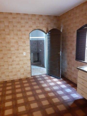 Casa 3 quartos Setor Centro Oeste, avarandada, esquina. - Foto 11