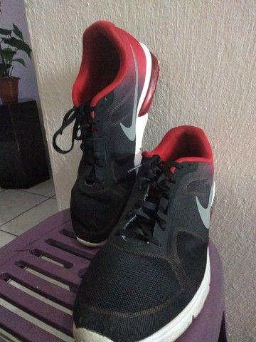 Tênis Nike Original tamanho 44 de R$430.00 por R$80.00 - Foto 2