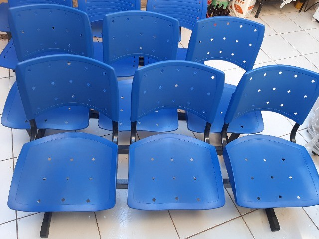Longarina Plástica 03 Lugares - Cor Azul - Foto 3