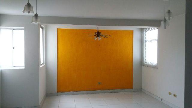 Apartamento com 03 quartos no Farol próximo ao quartel do exército