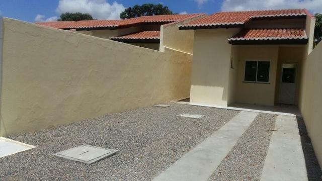 Casa com 6m largura documentacao inclusa na Pajucara Maracanau