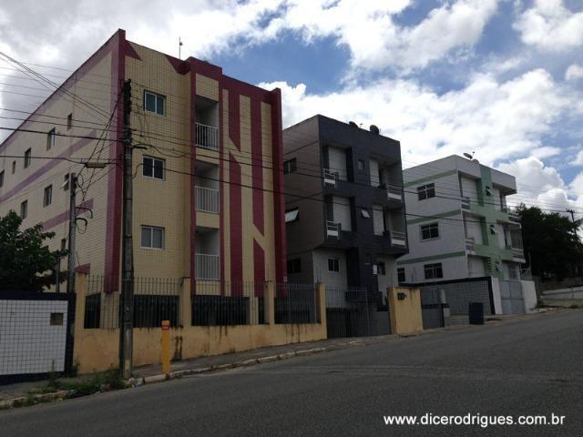 Apartamento com 3 Quartos (Suíte) + Dependência (Condomínio Incluso)
