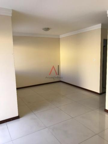 Excelente casa 4/4 Stella Maris, reformada, armários novos, com área e suíte inferior