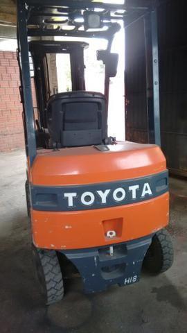 Empilhadeira Toyota Elétrica