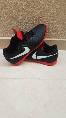 d305d105c6 Chuteira Futsal Nike Tiempo Legend 7 Club IC número 40 - Esportes e ...