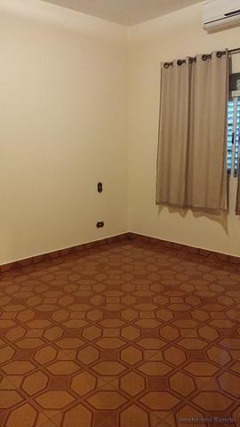 Casa em Cravinhos - Casa com Piscina e 03 dormitórios no Centro de Cravinhos - Foto 12