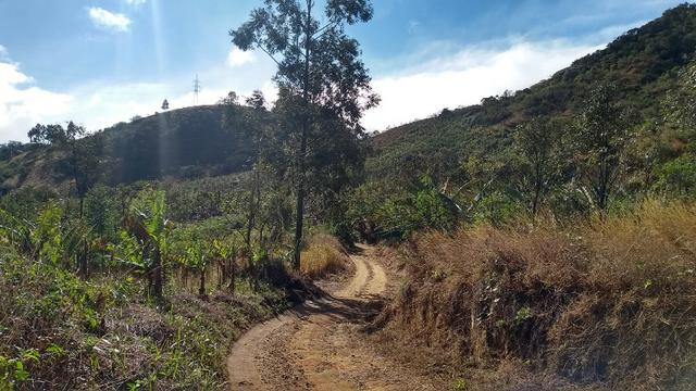 Belíssimo sítio em Pedra Aguda - Bom Jardim - RJ - Foto 17