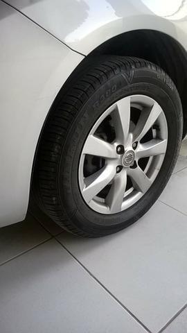 Nissan Versa SL 1.6 16v Flex 2013/2014 - Foto 11