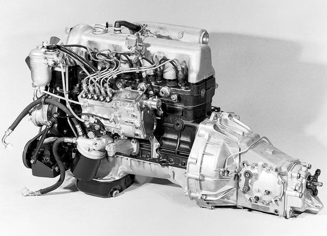 Motor + Cambio + Diferencial + Motor de Partida revisado - Mercedes 5 cilindros - Foto 3