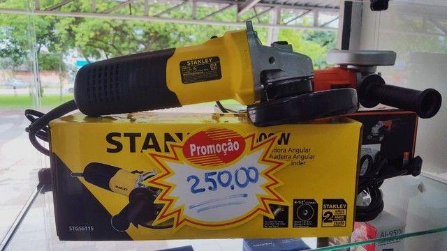 Esmerilhadeira Angular 4-1/2'' 600W 220V Stgs6115 Stanley R$250,00