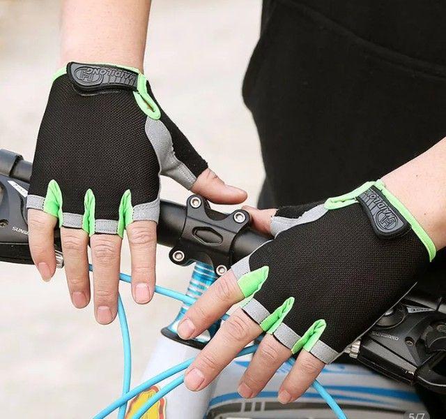 Luvas para andar de bike,luvas academia, musculação - Foto 4