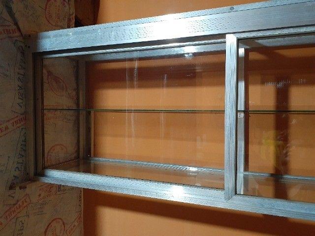 Armário-Vitrine com portas - Foto 4