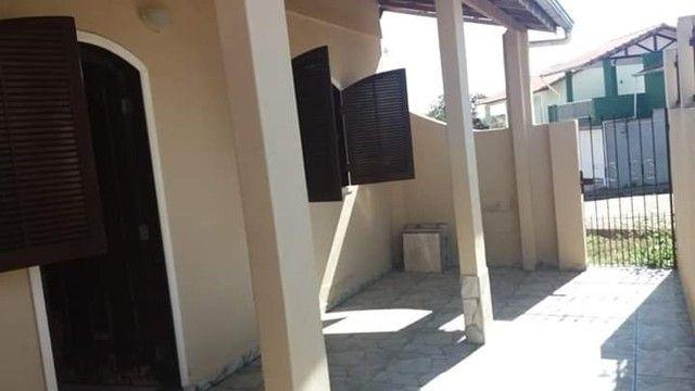 Oportunidade, vendo - 2 casas assobradadas, no bairro Santa Monica em São Lourenço-MG