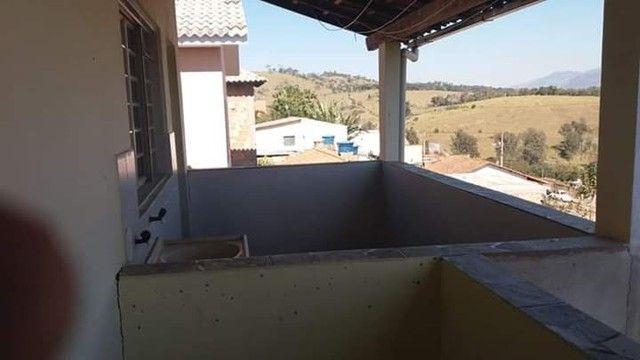 Oportunidade, vendo - 2 casas assobradadas, no bairro Santa Monica em São Lourenço-MG - Foto 9
