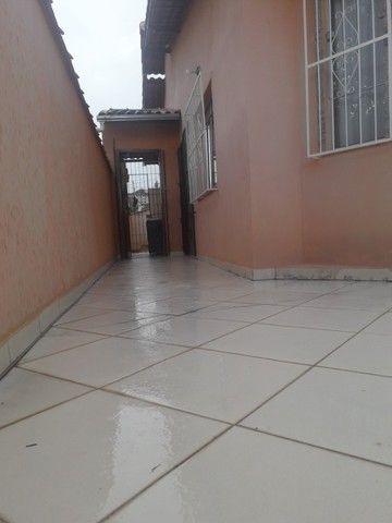 Linda casa 3quatos com 2garagens e quintal em São Lourenço MG - Foto 5