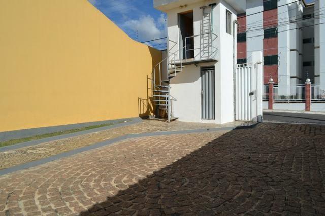 Casa em Condomínio para locação 02 Quartos sendo (01 Suite) no bairro Planalto - Foto 16