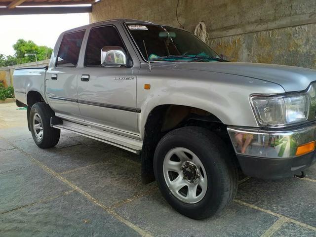 Vendo uma ano 2003 hilux 3.0-TD diesel - Foto 2