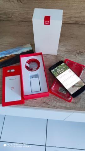 OnePlus 5 top