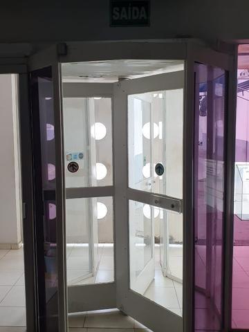 Porta giratória