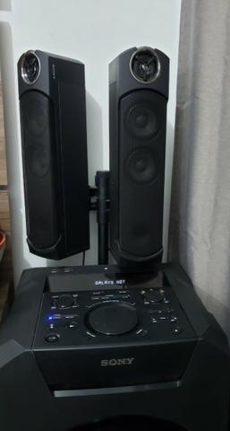 Mini System Sony Mhg-gt5d cm Bluetooth Nfc e Led Multicolorido - Bivolt