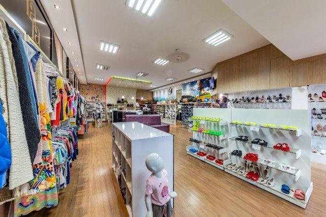 Vendo loja de calçados e confecção linda e rentável - Foto 4