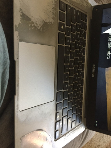 Notebook,funciona normalmente!! Mas a tela está quebrada! - Foto 2