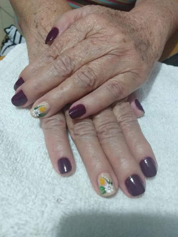 Manicure & Pédicure, & Design de Sobrancelha!!  - Foto 4