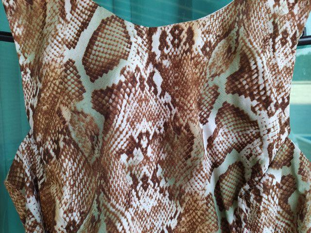 Vestido curto Tam. G Animal Print com laterais abertas, usado 2x - Foto 3