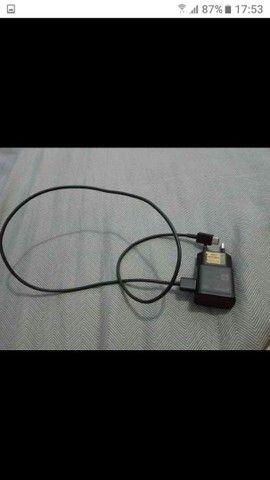 Carregador Original Samsung A20 6 mesrs de uso semi novo - Foto 2