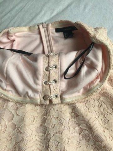 Vestido renda Forever 21 - Foto 2