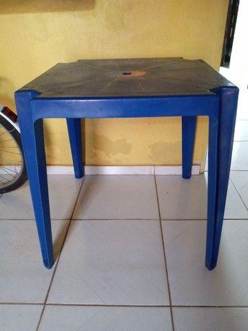 Mesa de plástico.