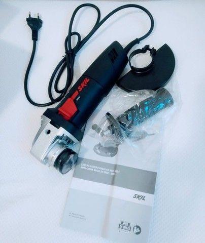 Esmerilhadeira angular Skil 9004 de 50Hz/60Hz preta 220V
